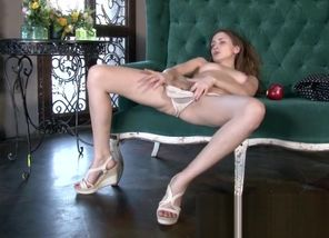 Victoria climaxes like super-naughty..