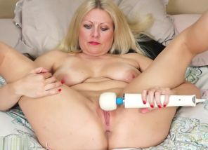 KarupsOW - Big-boobed Zoey Tyler..