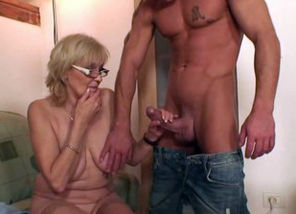 He plumbs porn-loving mommy in law