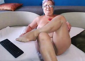 ANother sizzling webcam with a..