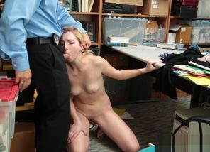 Shoplifter Zoe Parker Gets Pummeled By..