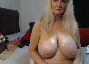 Tammy123 - gigantic titties