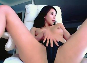 Super-fucking-hot KOREAN Blowjob Tidy..