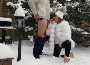 outdoor winter fellatio and jism on..