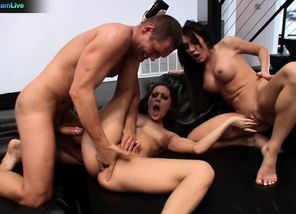 Gracie Glam and Amy Brooke three-way..