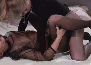 Caseys gf with a dark-hued tights fetish