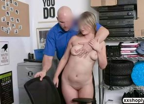 Shoplifter aria carson gets down on..