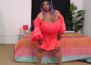 Ebony SSBBW Princess