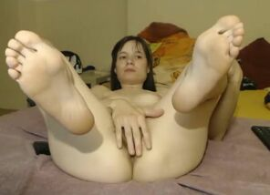 Pretty European Dame Displays Her Feet