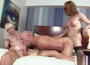 humungous man-meat lady-man gonzo With..